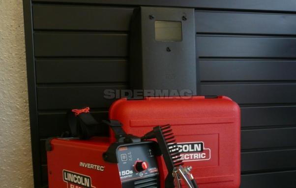 Generatore per saldatura ad elettrodo LINCOLN mod. 150S completo di valigetta