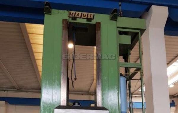 Fresatrice CNC usata MAUT ALN 30